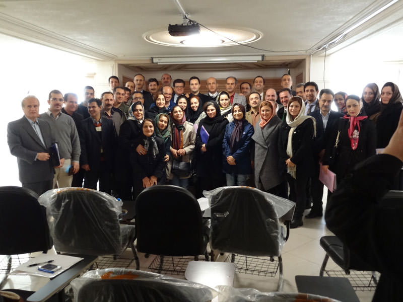 endo lahijan 94 1 حضور ژنیک در سمینار یک روزه اندو لاهیجان