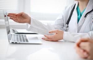 چرا برخی از پزشکان با نرم افزار مدیریت مطب و کلینیک مخالف اند ؟