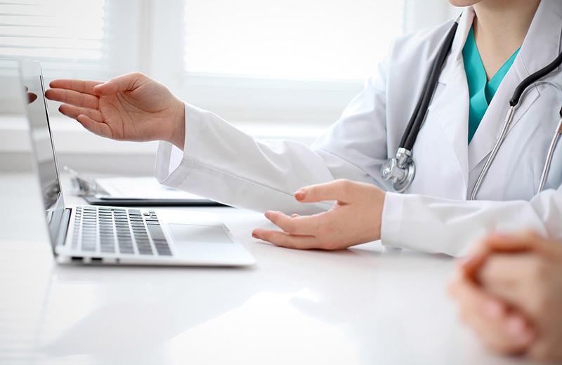 medical software چرا برخی از پزشکان با نرم افزار مدیریت مطب و کلینیک مخالف اند ؟